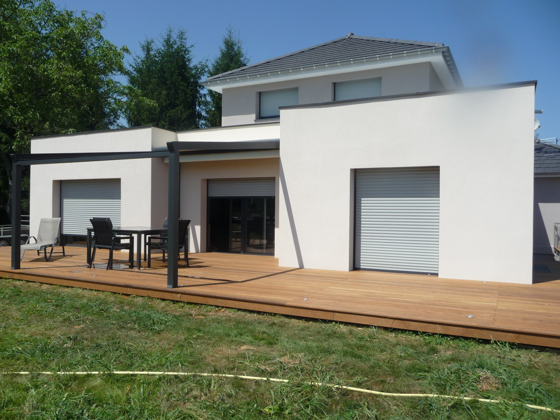 Arkobois nos terrasses en bois sur mesure - Salon exterieur blanc ...