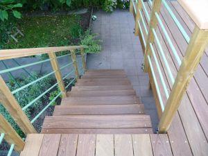Escalier Ipé, rambarde bois et alu laqué vert
