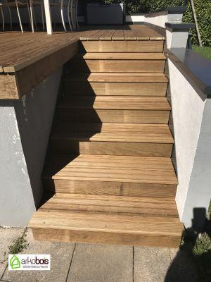 Escalier vers terrasse