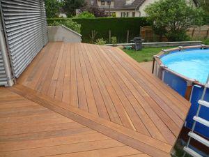 Terrasse à hauteur piscine hors sol