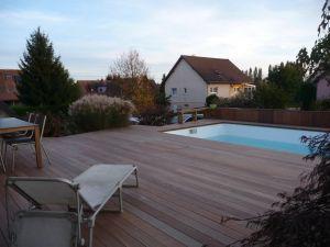 Ipé sur structure porteuse autour de piscine hors sol bois